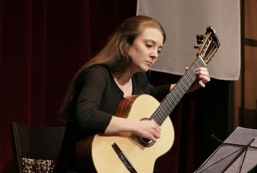 Nadine Stalder - Gitarre